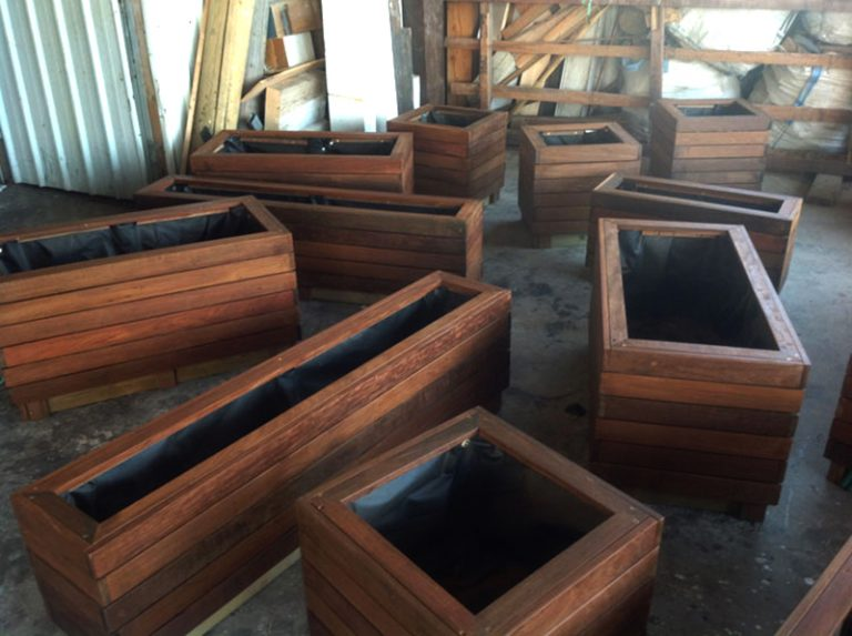 droran-Wooden planters03