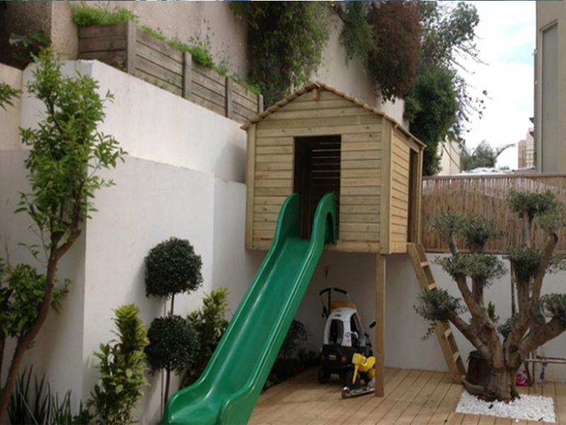 droran-02-wooden-house-for-children
