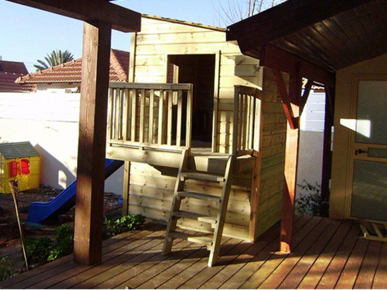 droran-03-wooden-house-for-children