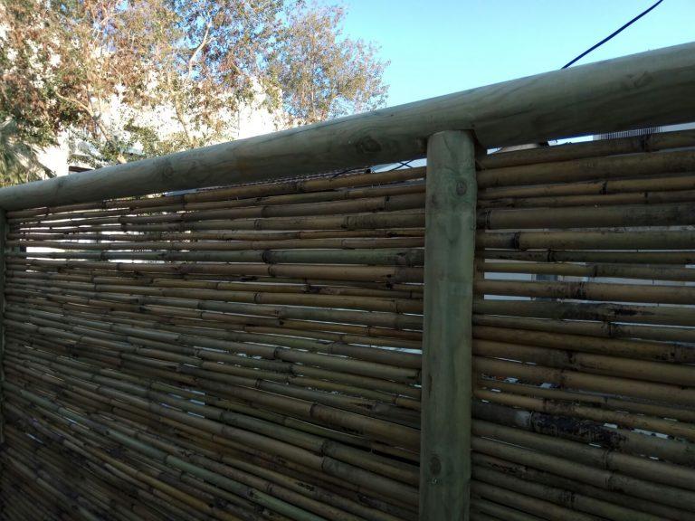 גדר עץ בין שכנים-דרורן (1)
